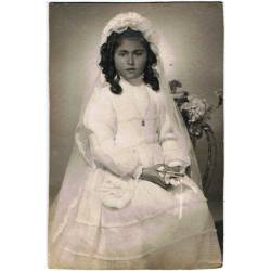 Antigua fotografía de niña...