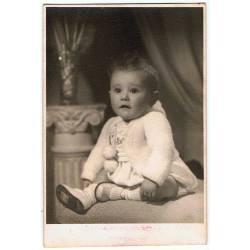 Antigua fotografía de bebé...